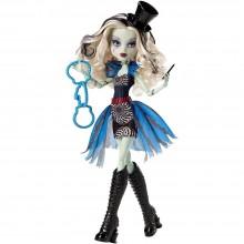 Mattel Monster High Cyrk de Szyk Frankie Stein CHY01 CHX98